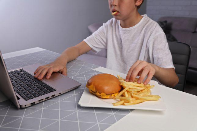 otyłość u dzieci przyczyny